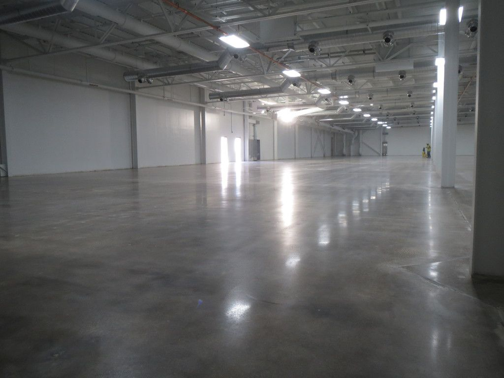 Microcement floor vs polished concrete floor - what to choose?