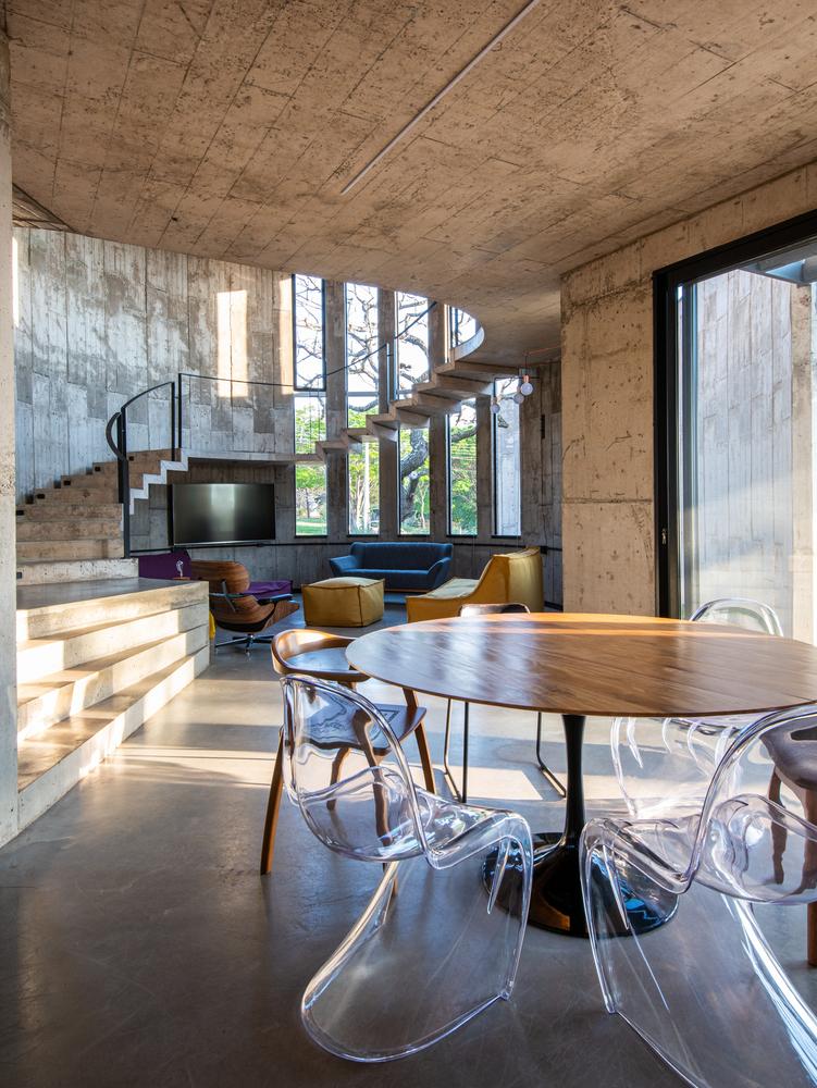Beton architektoniczy we wnętrzu