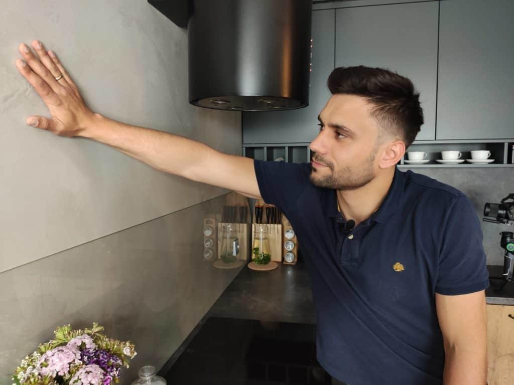 tynk betonowy w kuchni w mieszkaniu w Warszawie
