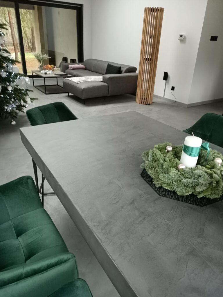 Posadzka i stół z mikrocementu